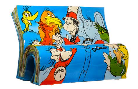 Banca con los personajes de los cuentos del Dr. Seuss.